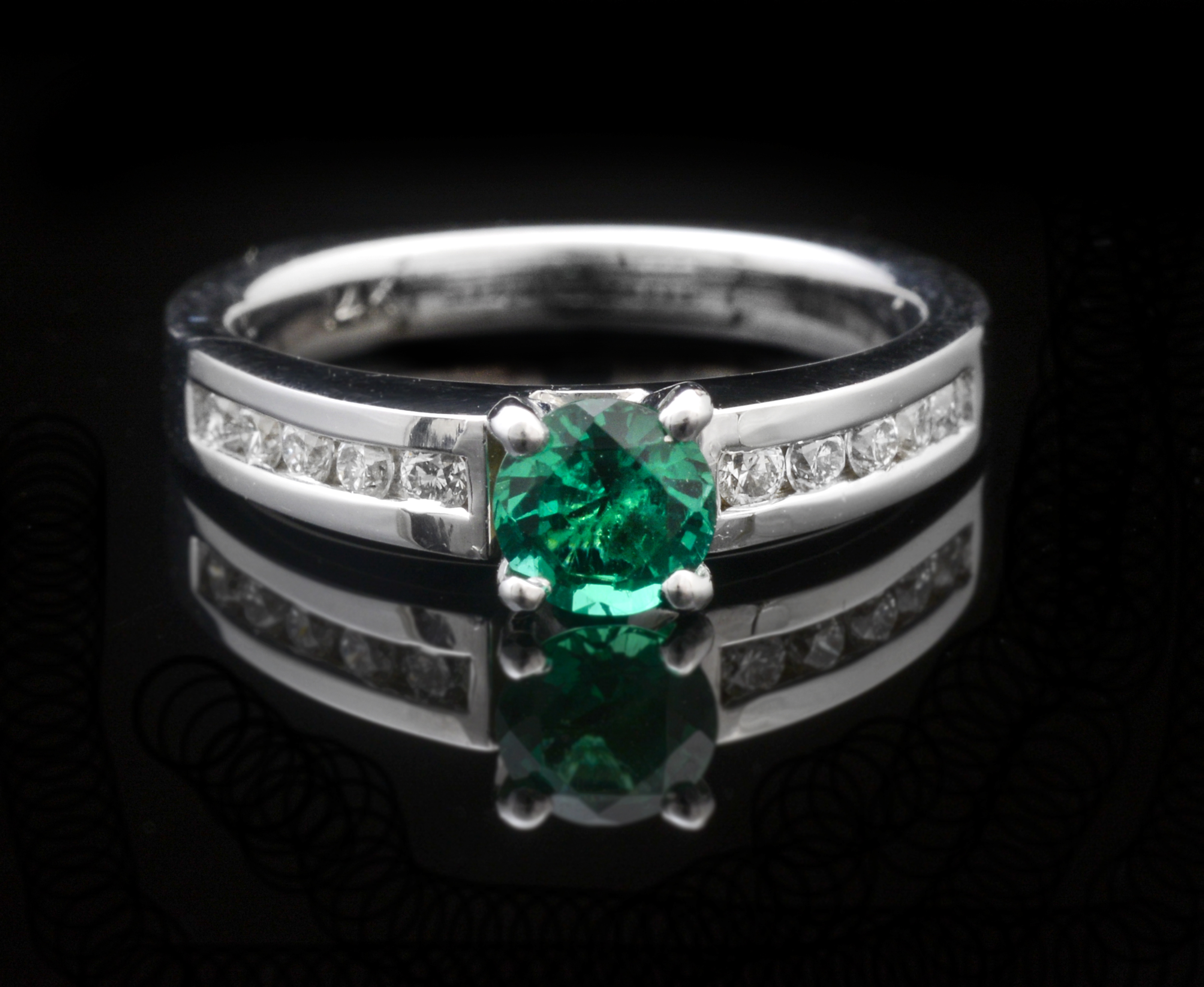 green brilliant trilogy emeral emerald ring inc rings