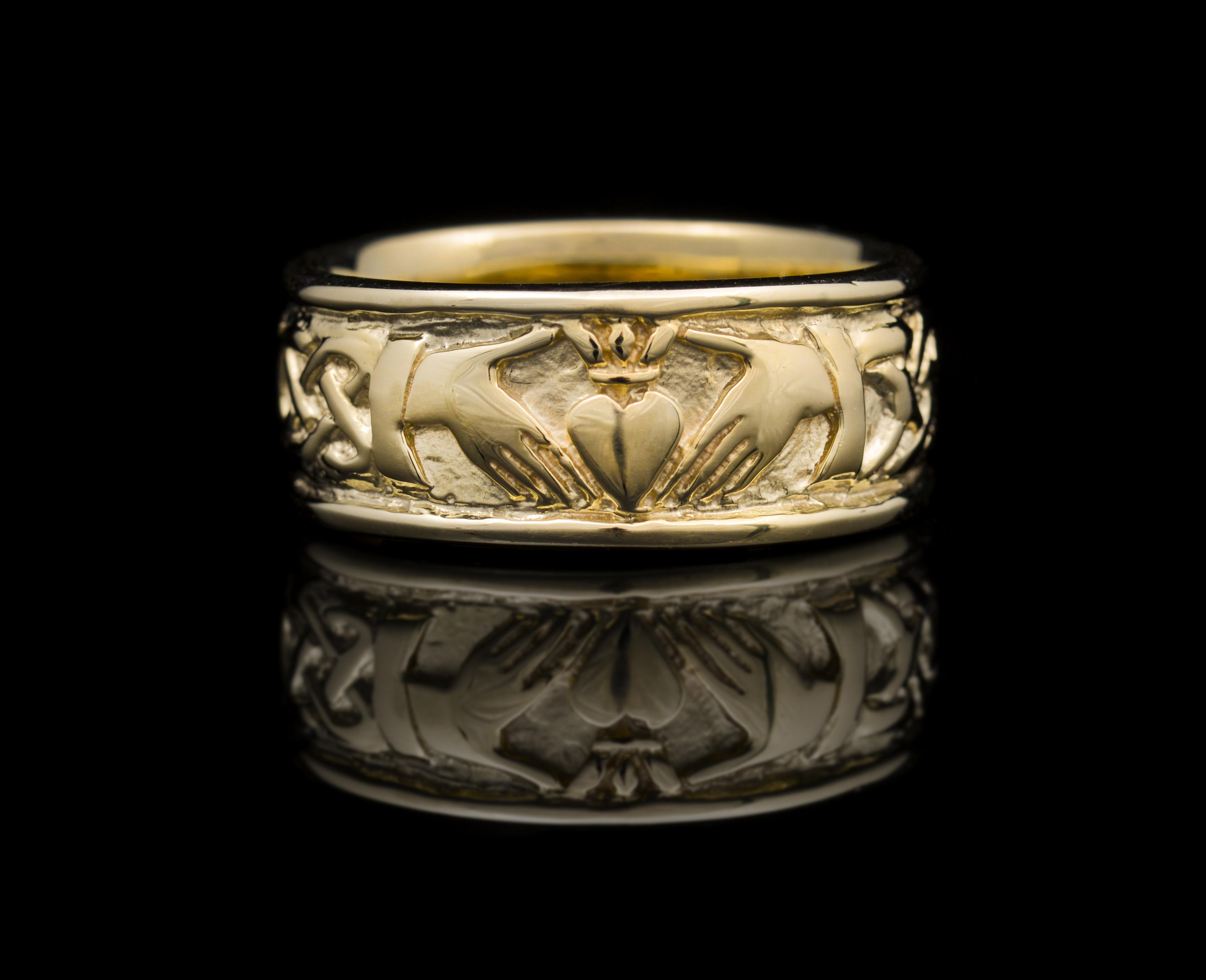 14kt Gold 12mm St Michaels Claddagh Wedding Band